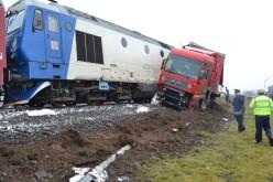 Tir spulberat la Codlea de un tren de pasageri care venea de la Viena