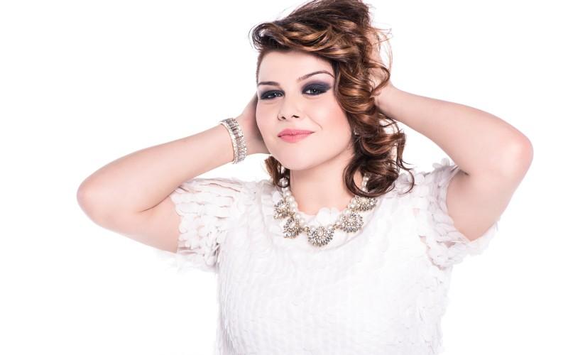 Alexandra Crişan, finalista X Factor 2014 pleacă în turneu cu trupa VUNK