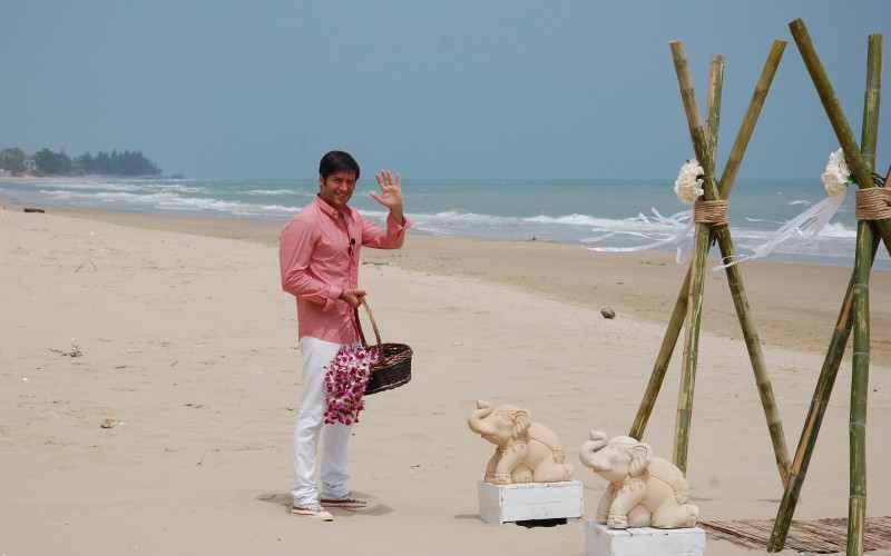 Radu Vâlcan filma în Thailanda, iar Adela Popescu renova casa