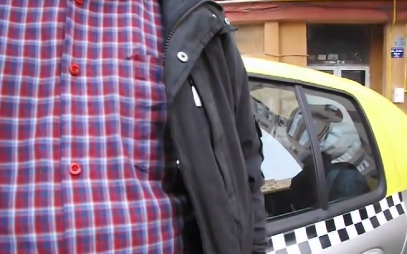 ȘOCANT   Doi polițiști din Alexandria au bătut cu bestialitate un taximetrist – VIDEO