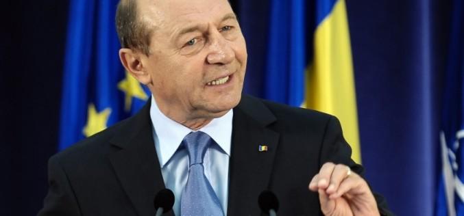 Băsescu, urmărit penal pentru că a șantajat-o pe Gabi Firea