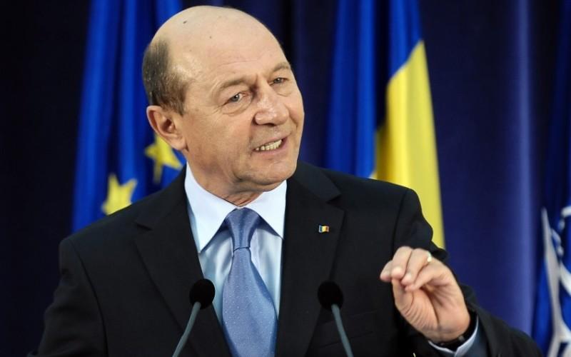 Băsescu va fi anchetat penal pentru că nu a demisionat în 5 minute