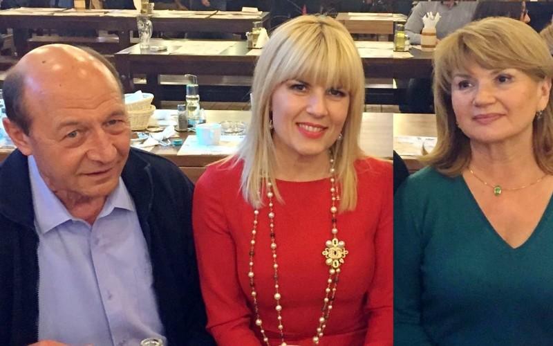 Traian Băsescu divorţează de Maria Băsescu şi se însoară cu Elena Udrea