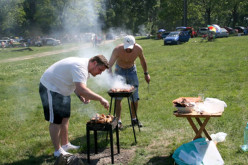Comisarii gărzii de mediu pregătiți să amendeze românii care fac picnic în păduri