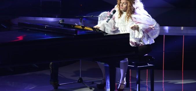 Andrei de la Alb Negru, 11 ore în costumul lui Lady Gaga