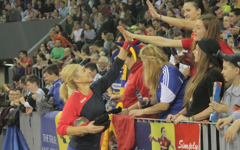România a învins Serbia și e la un pas de calificarea la Mondialul de handbal feminin