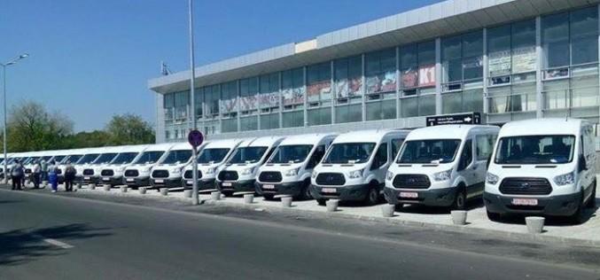 Guvernul a donat 100 de microbuze către cluburi sportive și federații