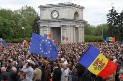 Miting uriaș la Chișinău. 50.000 de oameni cer demisia Guvernului și Parlamentului