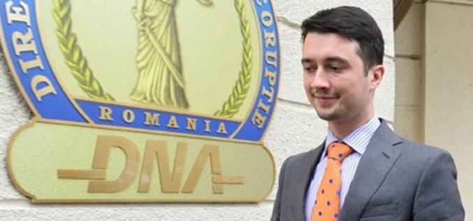 Nepotul lui Băsescu a scăpat de cătușele DNA pentru că a plătit o cauțiune de 10.000 de lei