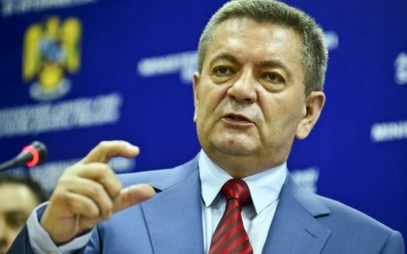 Românii din Diaspora, făcuți golani și curve de către Ministrul Ioan Rus