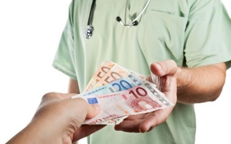 Guvernul promite majorări salariale de 25% la medici. Alianța Medicilor nu crede până ce nu vede banii