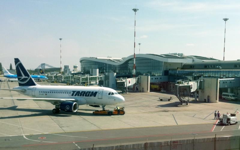 Haos pe Aeroportul Otopeni din cauza grevei controlorilor de trafic. Niciun avion nu decolează sau aterizează