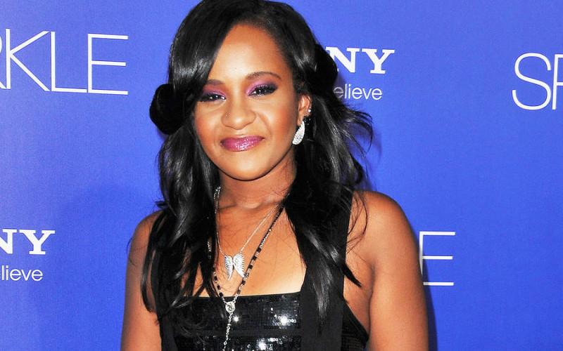 TRAGEDIE   Fiica lui Whitney Houston a murit la 22 de ani