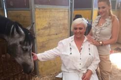 Monica Anghel a moștenit pasiunea pentru cai de la tatăl ei