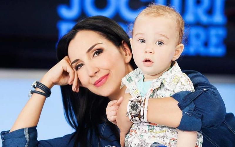 Emma Zeicescu spune că cel mai frumos cadou pe care i l-a oferit viața este băiețelul ei