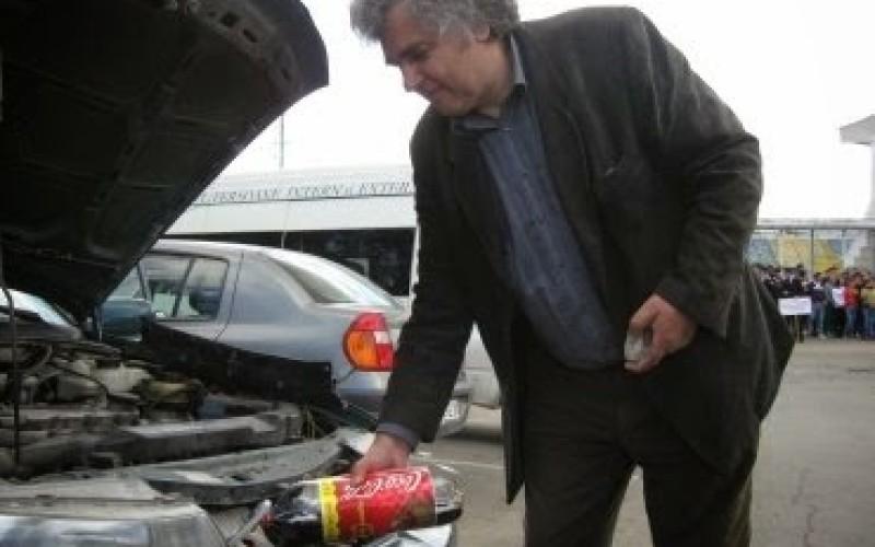 Un român a reușit invenția secolului, A creat mașina care merge 5000 de km cu trei litri de apă