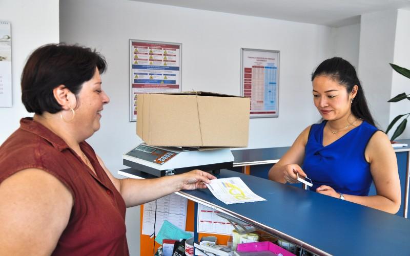 Primul ghişeu poștal dedicat chinezilor din România, inaugurat de Poșta Română în Doraly