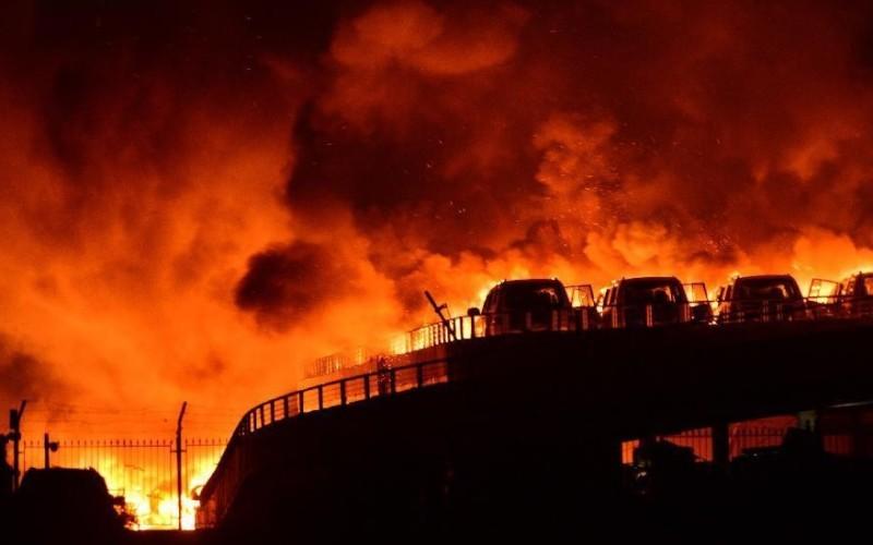 44 de morți și peste 500 de răniți la Tianjin, după mai multe explozii uriașe la un depozit de explozibili