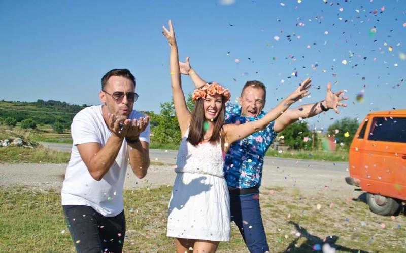"""Dj Jonnessey&Aner dansează un """"Pas în doi"""" în noul single – VIDEO"""