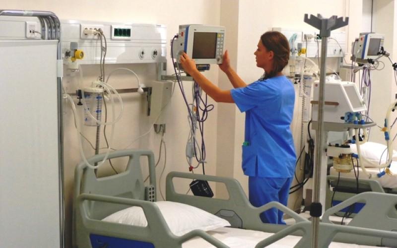 Spitalul de Arși din București, la un pas de închidere. Un pacient a murit după ce s-a ales cu larve de muscă în plagă