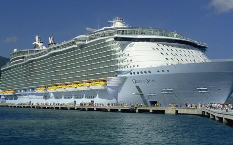 Ponta se lăfăie în Caraibe pe cel mai luxos vas de croazieră din lume – VIDEO