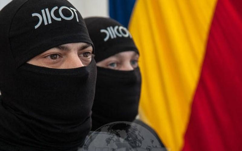 Clanurile mafiote din România, luate cu asalt de procurorii DIICOT. Descinderi masive în toată ţara