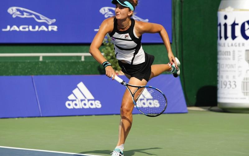 Irina Begu, două victorii în patru ore la Roma. E în semifinale și la simplu și la dublu