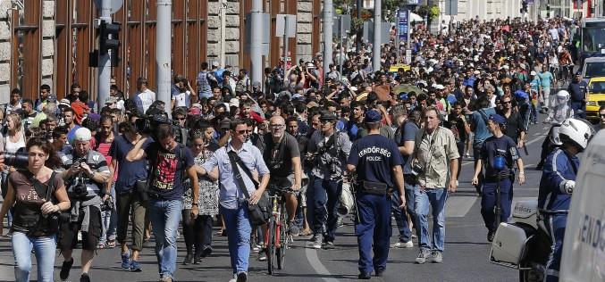 România a fost obligată de UE să primească peste 6000 de refugiați. Sunteți de acord cu această decizie?!