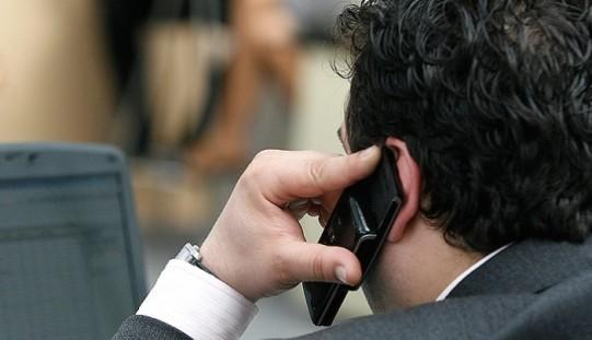 Iată cum poți afla dacă ai telefonul ascultat