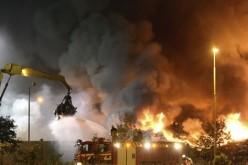 Suedezii au dat foc la centrele în care urmau să fie cazați refugiații din Siria