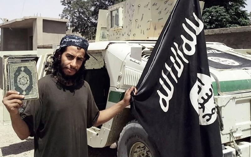 """Abdelhamid Abaaoud, presupusul """"creier"""" al atentatelor din Paris, ucis de poliția franceză"""