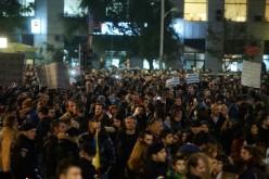 15000 de protestatari cer în stradă demisia lui Piedone, Oprea și Ponta din cauza tragediei din Club Colectiv