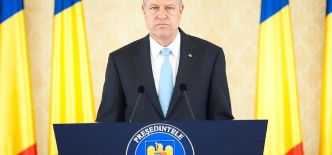 Iohannis nu vrea să adopte legea care elimină 102 taxe. Președintele contestă legea la CCR