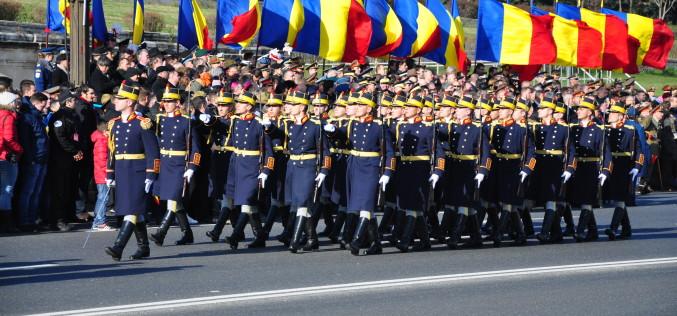 Paradă militară fastuoasă la București de Ziua Națională a României