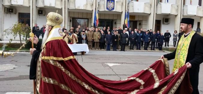 Arhiepiscopul Tomisului a defilat cu trenă de 1000 de euro la parada de Ziua Națională