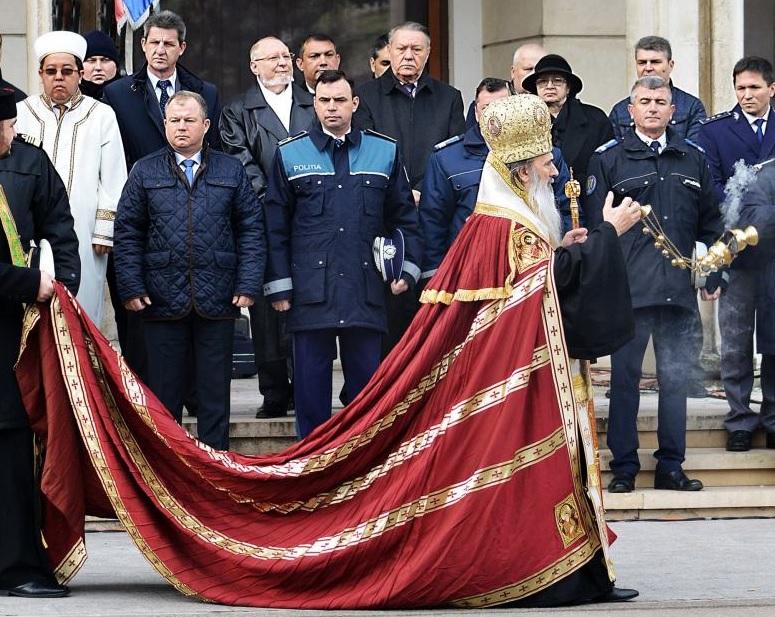 arhiepiscopul tomisului mantie