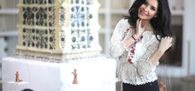 VJ Mihaela, de la Utv, poartă cu mândrie ia românească