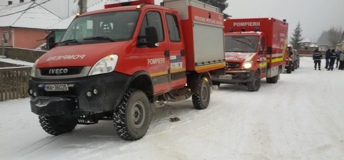 885 de persoane au fost salvate din nămeți de pompierii militari