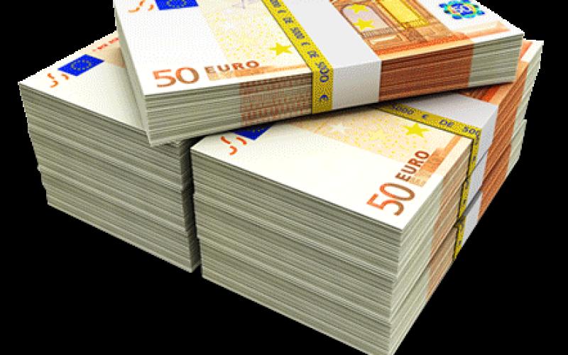Peste 100.000 de euro transferaţi prin serviciul e-mandat al Poștei Române, în primele şase luni ale lui 2016