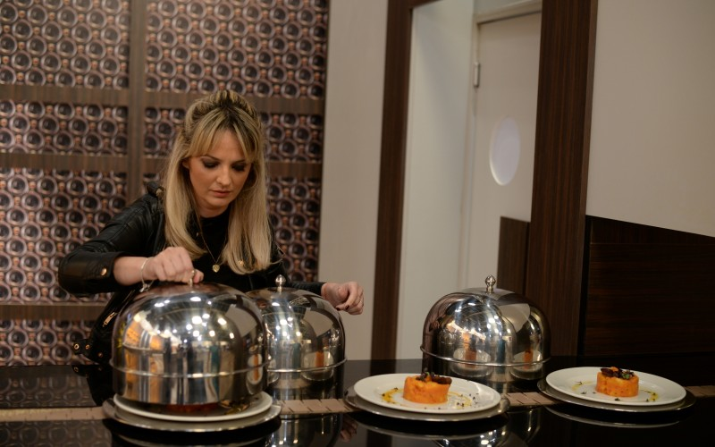 """Soția lui chef Florin Dumitrescu vine la """"Chefi la cuțite"""", în calitate de concurent surpriză"""