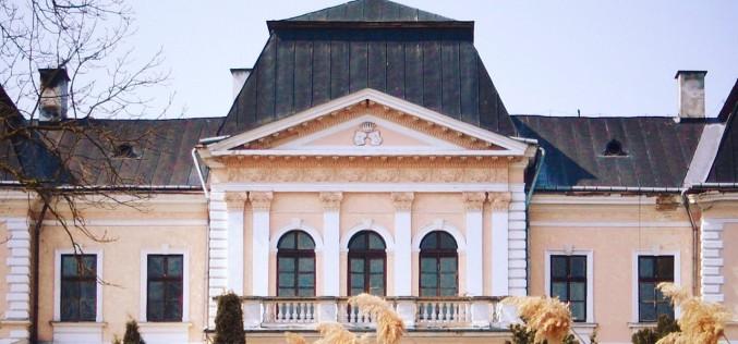 """CASTLE BREAK dă startul vizitelor la castelele """"ascunse"""" ale Transilvaniei, Moldovei si Munteniei!"""