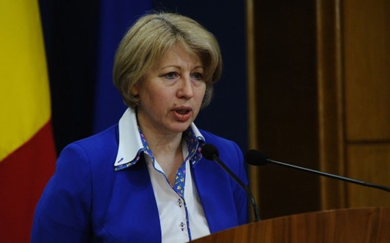 Miniștrii tehnocrați demisionează pe capete. Aura Răducu pleacă de la Fondurile Europene la cererea lui Cioloș