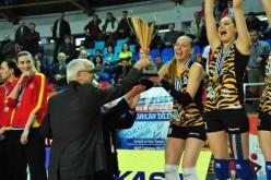 CSM București, performanță istorică în voleiul românesc. A câștigat cupa Challenge la volei feminin