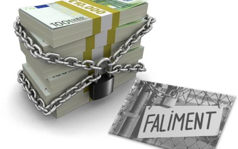 Falimentul, metoda prin care scapi de datorii. Iată marii investitori care au pus lacătul pe ușă în 2015