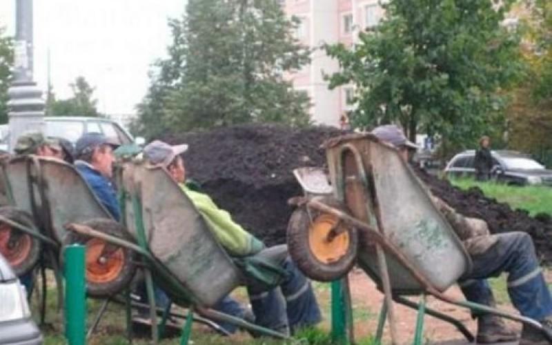 Cine mai munceşte în România? Pe cine sărbătorim de 1 Mai?