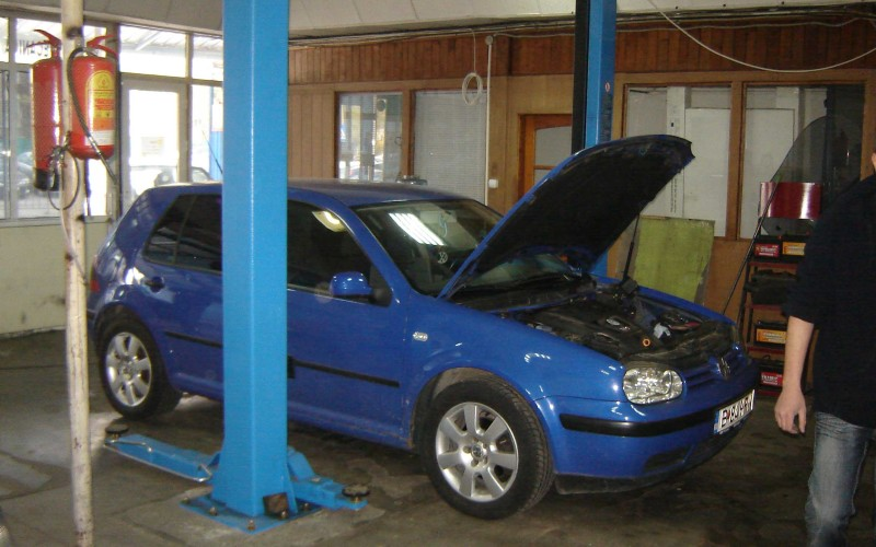 Alternatorul auto poate fi reparat. Un bun specialist te poate scuti de achiziția unui nou alternator