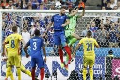 RUȘINOS | Arbitrii unguri au furat România în partida cu Franța de la Euro 2016