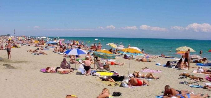 Plajele de pe litoral, luate la control de către angajaţii ANAR