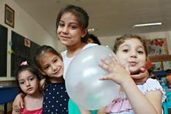 Peste 700 de copii vor beneficia de educație preșcolară în 37 de grădinițe estivale inaugurate de Salvați Copii