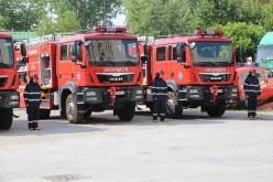 Opt autospeciale de mare capacitate au intrat în dotarea pompierilor români